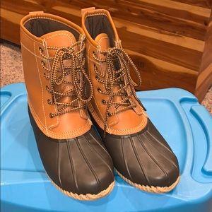 Merona brand duck boots sz 10 like new. NWOT